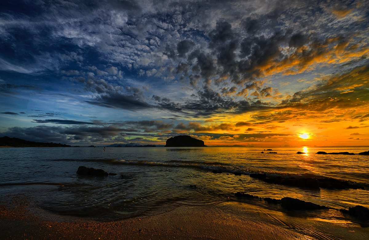 Seashore in SunSet